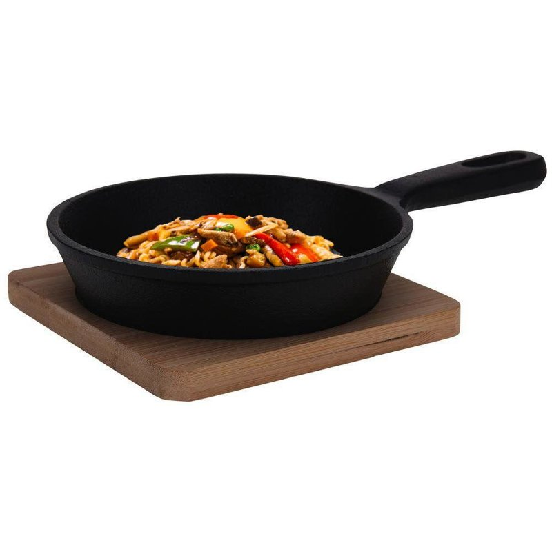 ORION Cast-iron pan for serving on a board tray